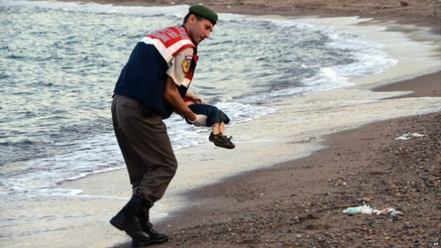 Story starts to solve about drowned syrian boy of water and couldn